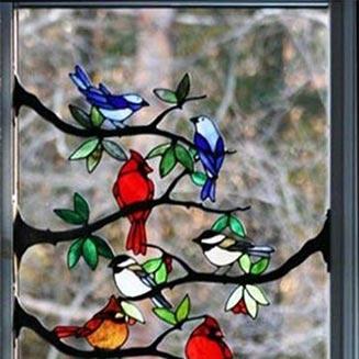نقاشی روی شیشه پنجره اتاق