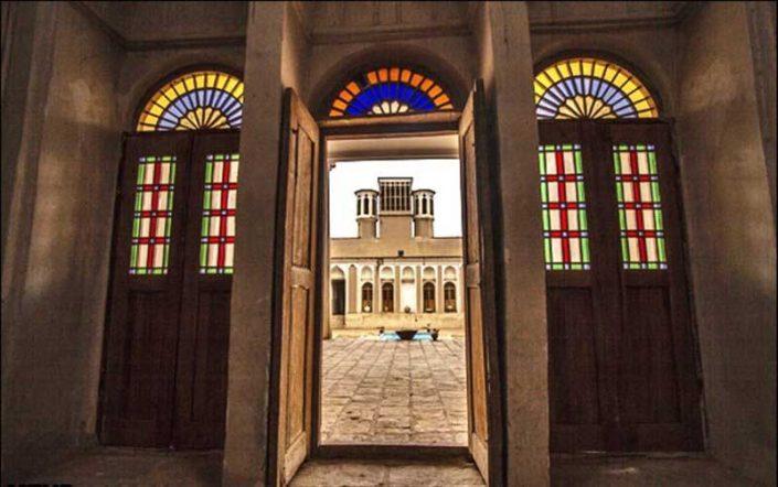 شیشه رنگی سنتی نقاشی شده ایرانی