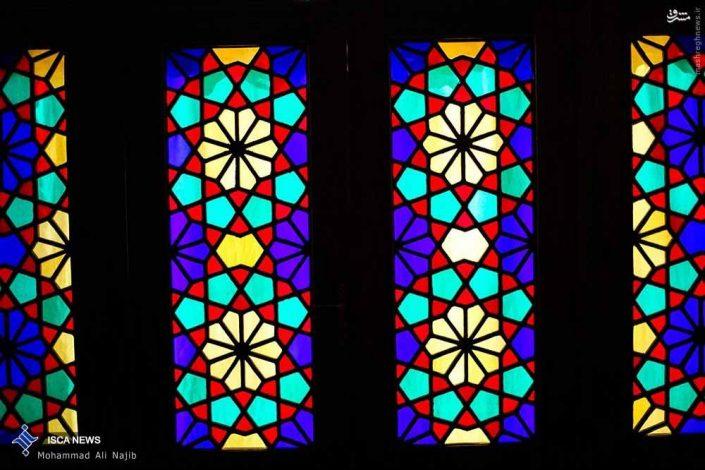 شیشه رنگی سنتی ایرانی نقاشی شده