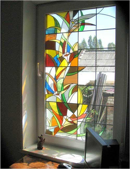 فوايد استفاده از شيشه رنگی پنجره