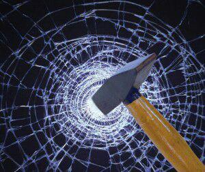 نحوه شکستن شیشه های لمینت