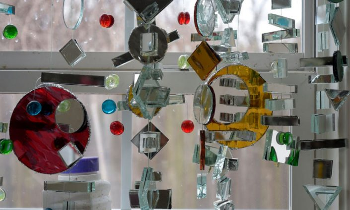 آینه های هنری و رنگی دکوراتیو